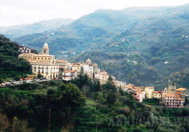 http://www.anni60news.com/wp-content/uploads/2015/10/santangelo-di-brolo-640x448.jpg