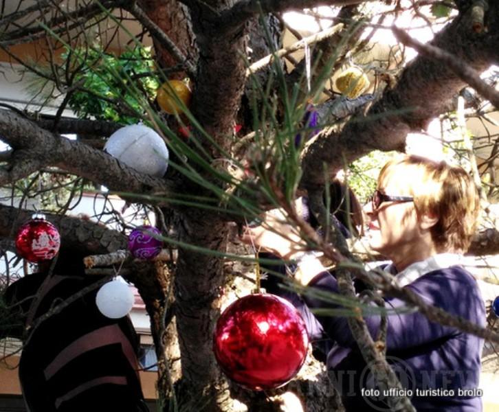 Foto Di Natale Anni 60.Brolo Una Pallina Per L Albero Di Natale Anni 60 News